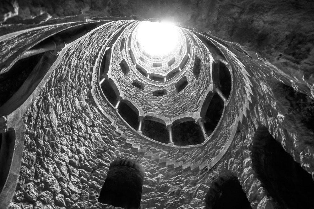 Ngọn tháp đảo ngược dưới lòng đất ở Bồ Đào Nha Ảnh 2