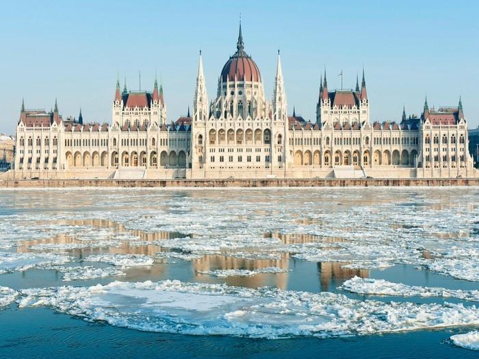Tòa nhà Quốc hội Hungary có kiến trúc độc đáo nhất thế giới Ảnh 7