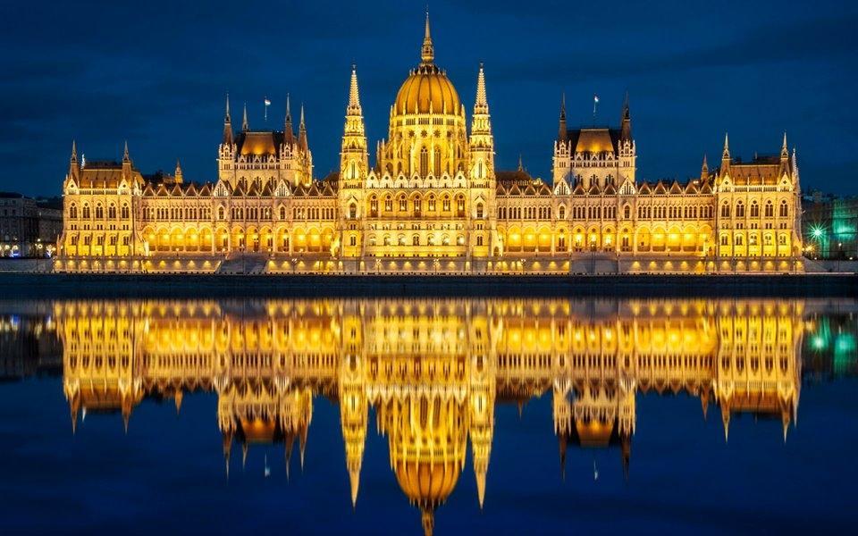 Tòa nhà Quốc hội Hungary có kiến trúc độc đáo nhất thế giới Ảnh 6