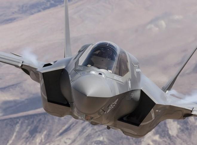 Thấy gì qua chiếc mũ 9 tỷ đồng dành cho phi công chiến đấu cơ F-35? Ảnh 2