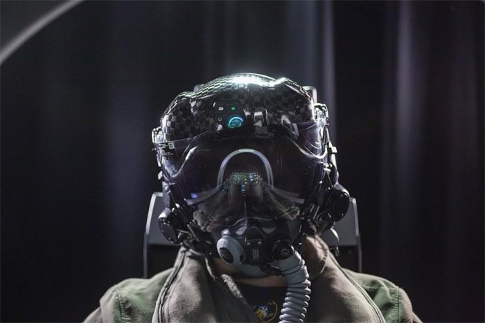 Thấy gì qua chiếc mũ 9 tỷ đồng dành cho phi công chiến đấu cơ F-35? Ảnh 1