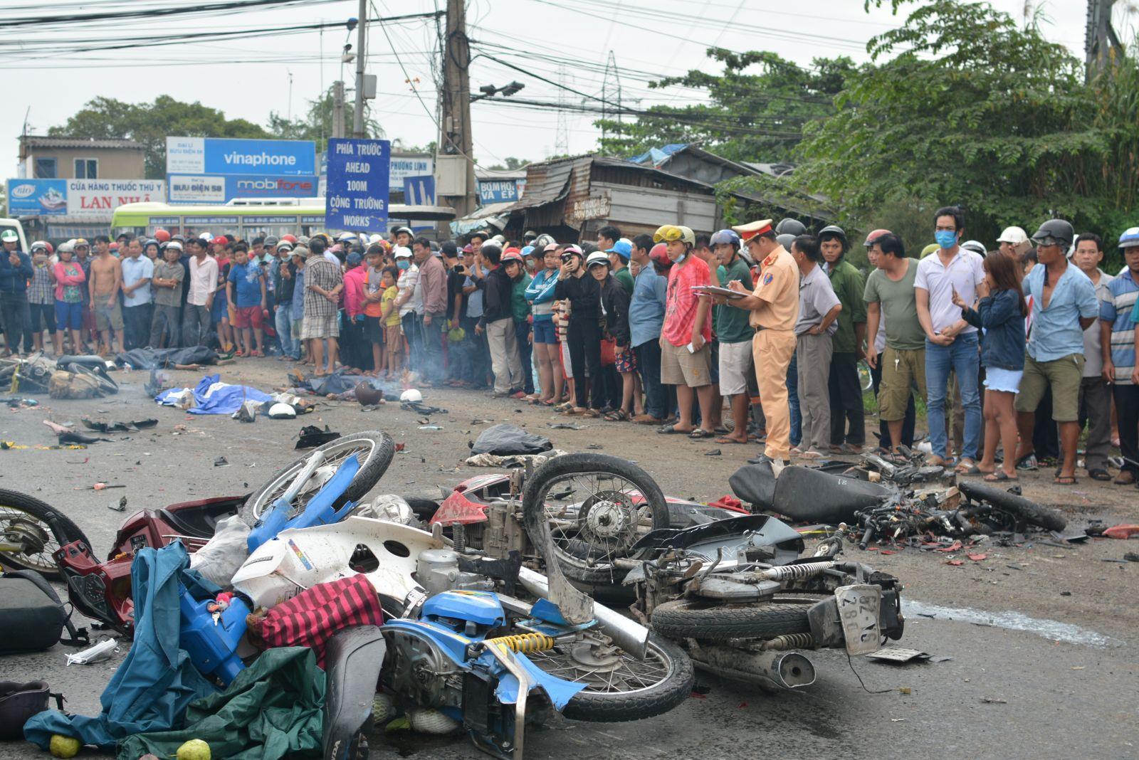 Sắp xét xử tài xế điều khiển xe container tông hàng loạt xe máy dừng đèn đỏ, làm 4 người chết ở Long An Ảnh 2