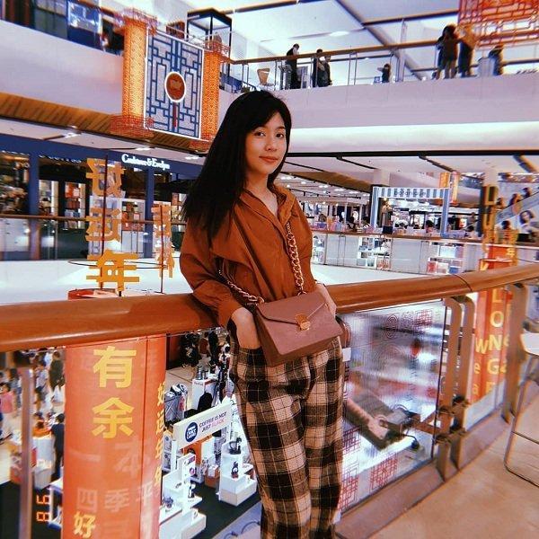 Thời trang mộc mạc, bình dị của tân Hoa hậu Quốc tế 2019 Ảnh 2