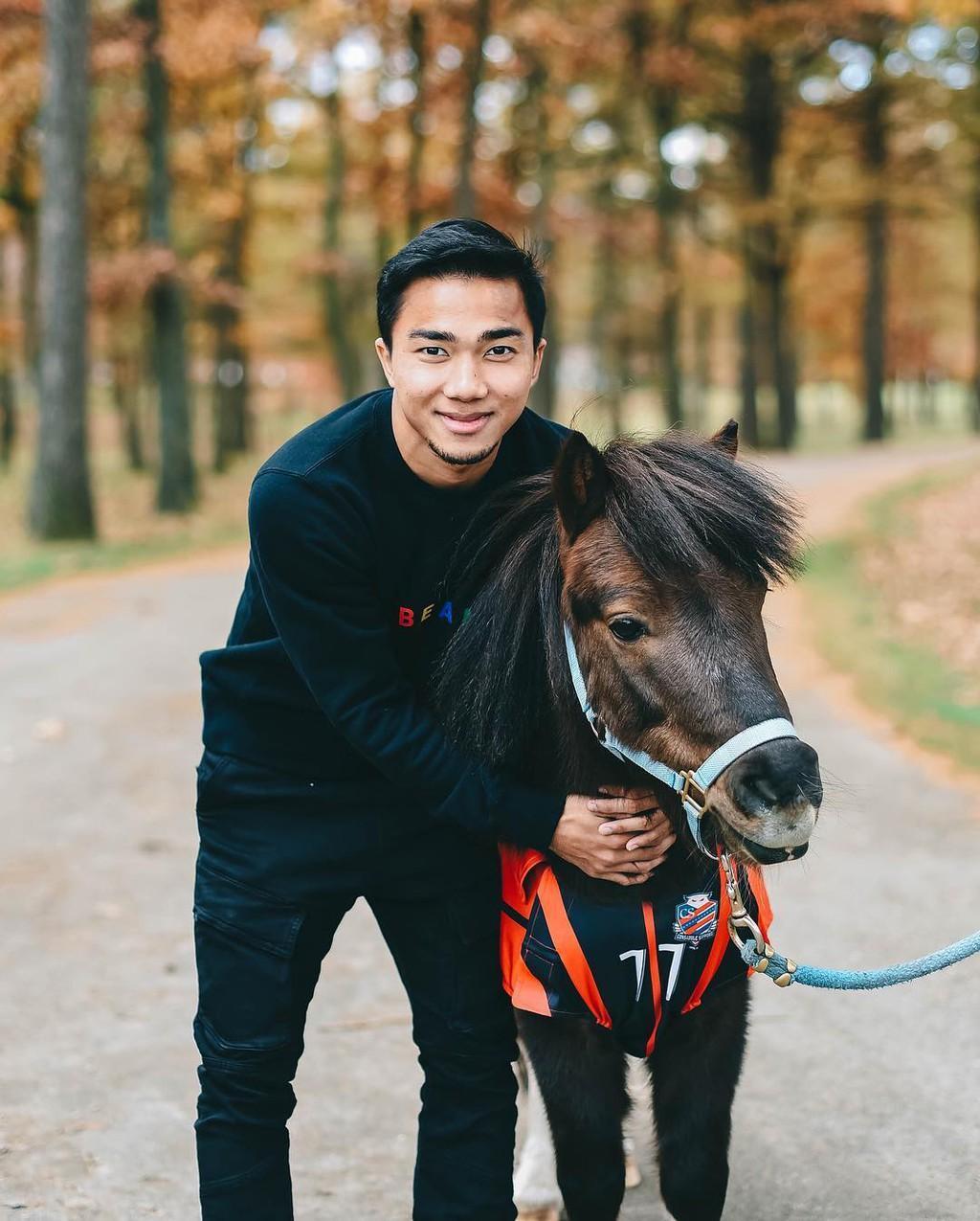 Nhật Bản đẹp mơ màng trong ảnh check-in của Chanathip Ảnh 3