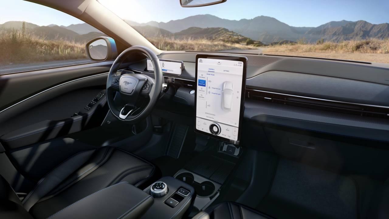 Ford Mustang Mach E ra mắt: Crossover thuần điện, giá từ 44.000 USD Ảnh 3