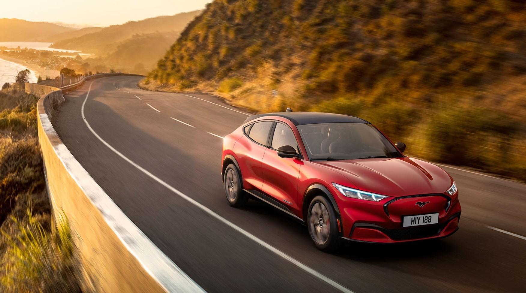 Ford Mustang Mach E ra mắt: Crossover thuần điện, giá từ 44.000 USD Ảnh 1