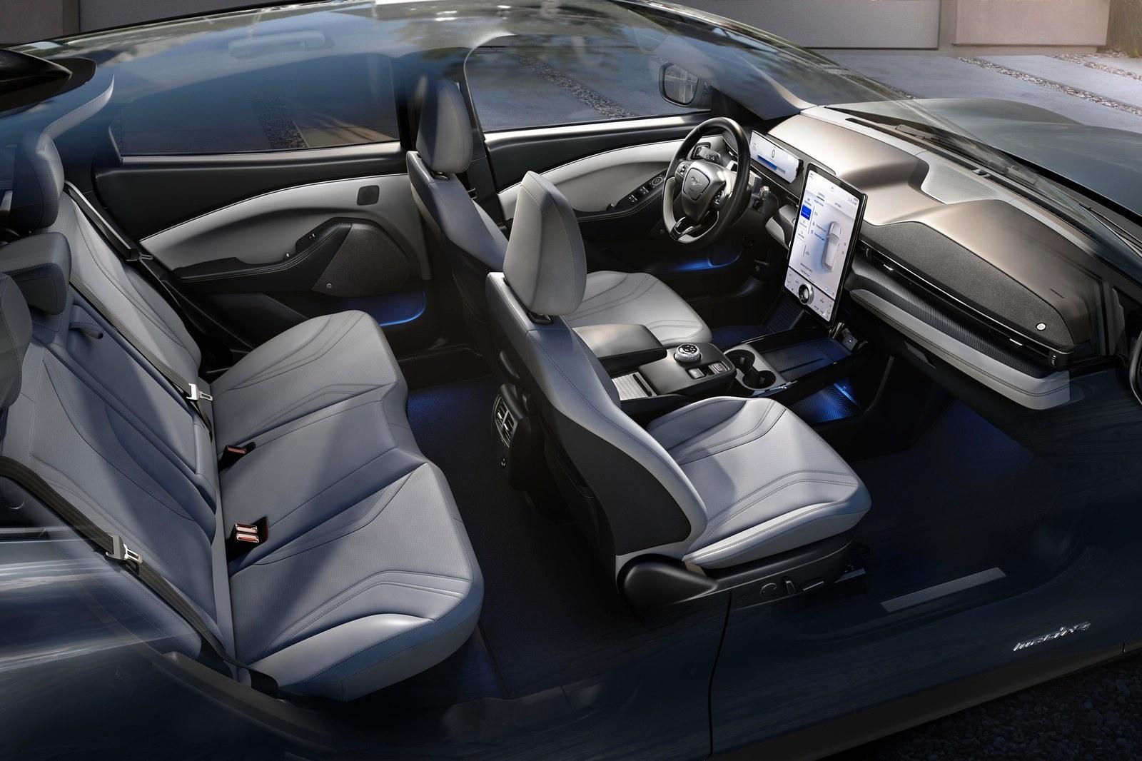 Ford Mustang Mach E ra mắt: Crossover thuần điện, giá từ 44.000 USD Ảnh 5