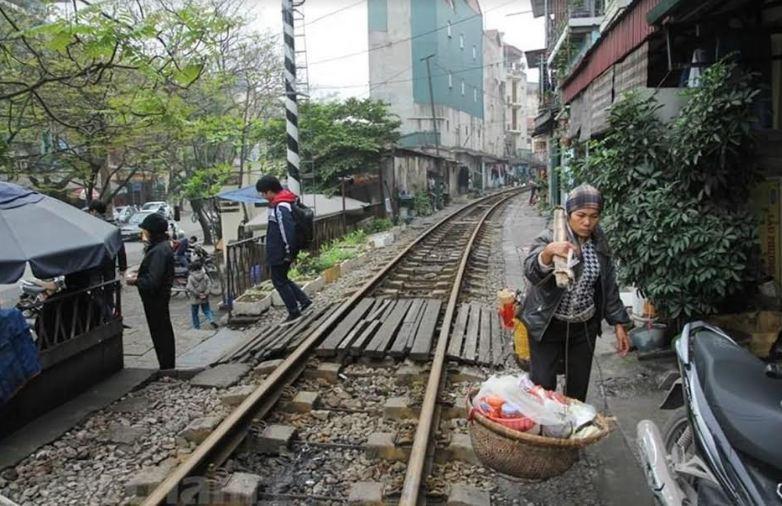 Nam Định: Tăng cường giải pháp làm hàng rào, đường gom để xóa lối đi tự mở qua đường sắt Ảnh 2