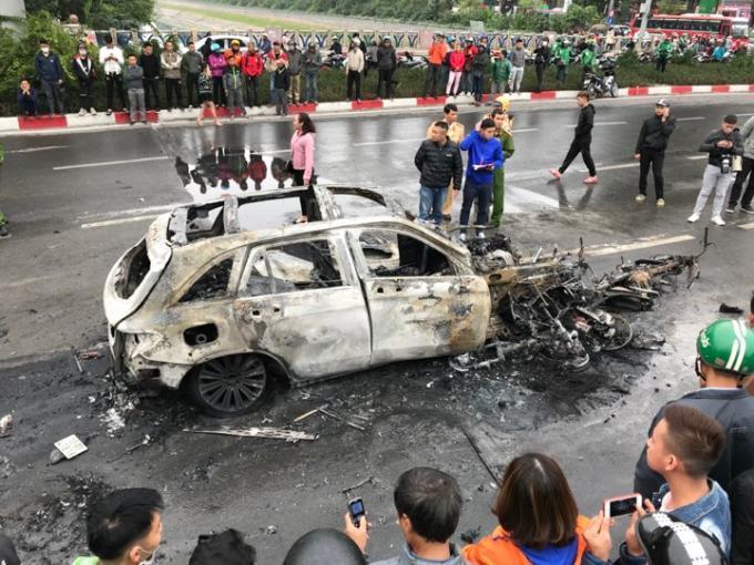 Chỉ trong 11 tháng cả nước đã xảy ra gần 16000 vụ tai nạn giao thông Ảnh 1