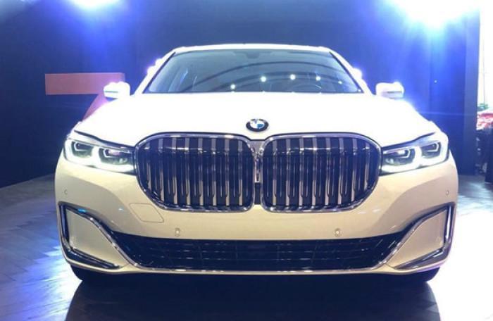 BMW 740Li phiên bản mới ra mắt Việt Nam, tăng giá hàng trăm triệu đồng Ảnh 1