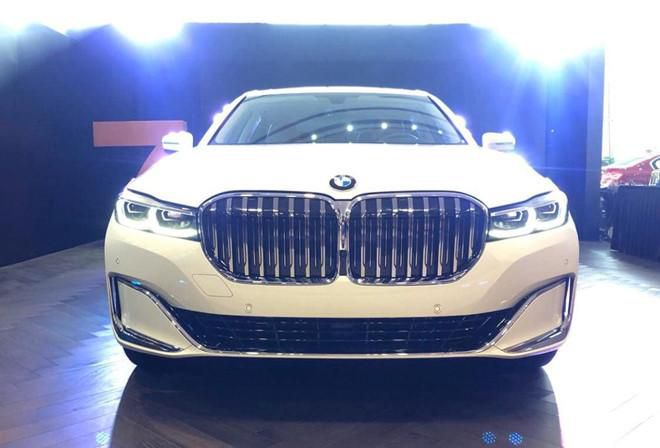 BMW 740Li phiên bản mới ra mắt Việt Nam, tăng giá hàng trăm triệu đồng Ảnh 2