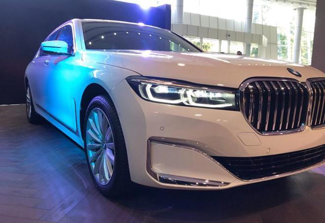 BMW 740Li phiên bản mới ra mắt Việt Nam, tăng giá hàng trăm triệu đồng Ảnh 3