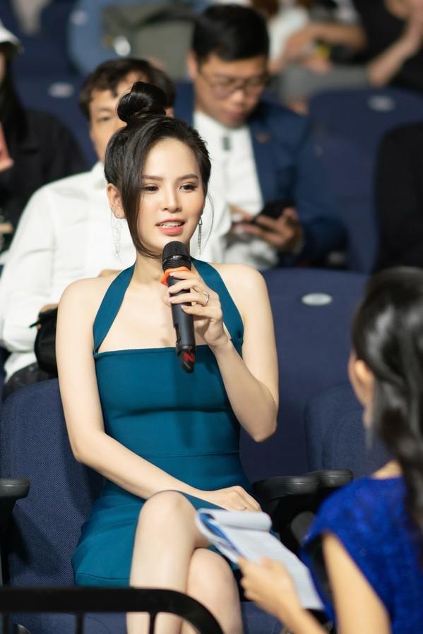 Sau scandal lộ clip nóng, 'hot girl mỳ gõ' Phi Huyền Trang bất ngờ tái xuất Ảnh 2
