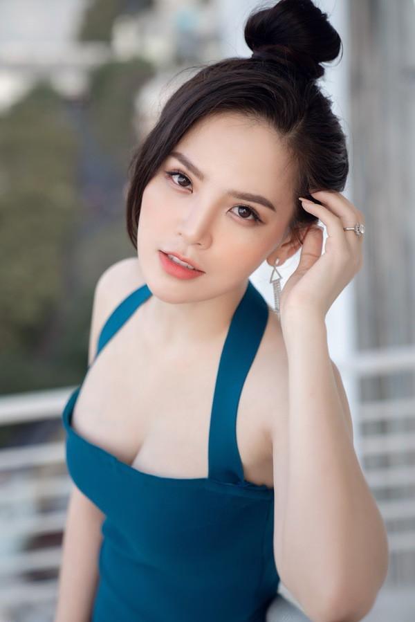Sau scandal lộ clip nóng, 'hot girl mỳ gõ' Phi Huyền Trang bất ngờ tái xuất Ảnh 5