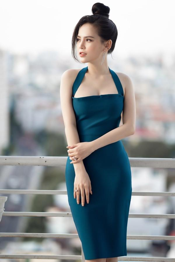 Sau scandal lộ clip nóng, 'hot girl mỳ gõ' Phi Huyền Trang bất ngờ tái xuất Ảnh 4