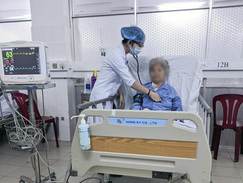 Cụ bà 80 tuổi ở Cần Thơ suýt mất mạng vì khối u tim Ảnh 1