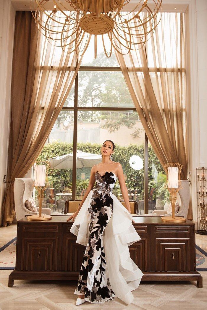 Hoàng Thùy diện váy dạ hội lộng lẫy chỉ vài tiếng đồng hồ, fan tiếc nuối: 'Đáng để mặc thi Bán kết' Ảnh 6