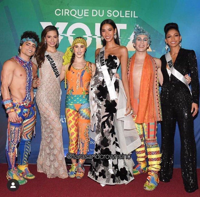 Hoàng Thùy diện váy dạ hội lộng lẫy chỉ vài tiếng đồng hồ, fan tiếc nuối: 'Đáng để mặc thi Bán kết' Ảnh 3