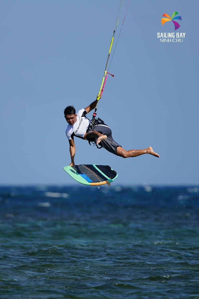 'Đại tiệc' lướt ván diều biển Ninh Chữ Ảnh 3