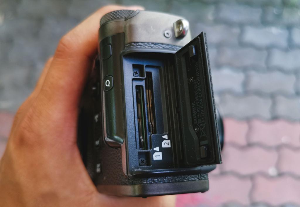 Đánh giá Fujifilm X-Pro3 - chỉ fan cứng mới mua Ảnh 4