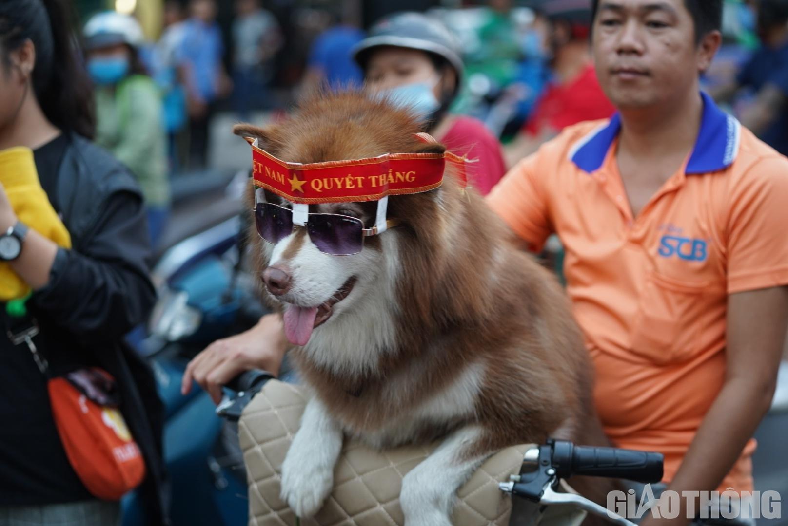 Việt Nam 'nổ tung', triệu người xuống đường mừng nhà vô địch SEA Games Ảnh 5