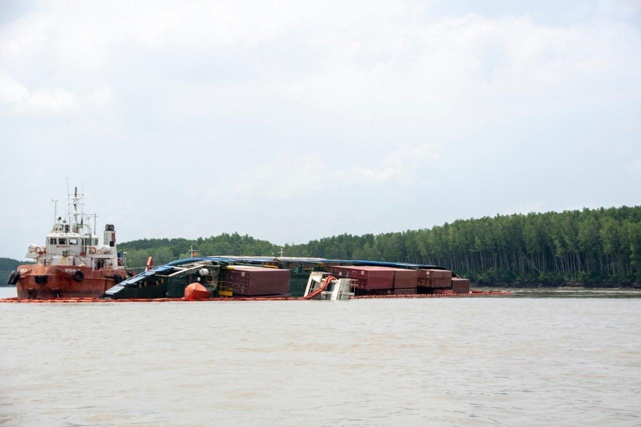 Tìm thấy thi thể một thợ lặn mất tích khi trục vớt tàu chìm Ảnh 5