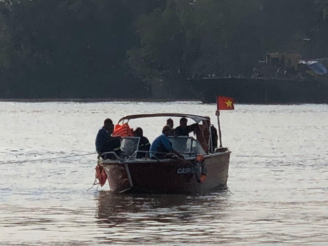 Tìm thấy thi thể một thợ lặn mất tích khi trục vớt tàu chìm Ảnh 2