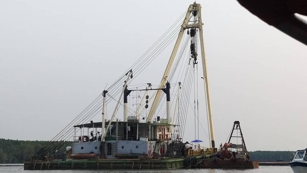 Tìm thấy thi thể một thợ lặn mất tích khi trục vớt tàu chìm Ảnh 1