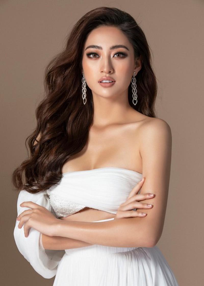 Ngắm Lương Thùy Linh trước giờ G chung kết Hoa hậu Thế giới Ảnh 14