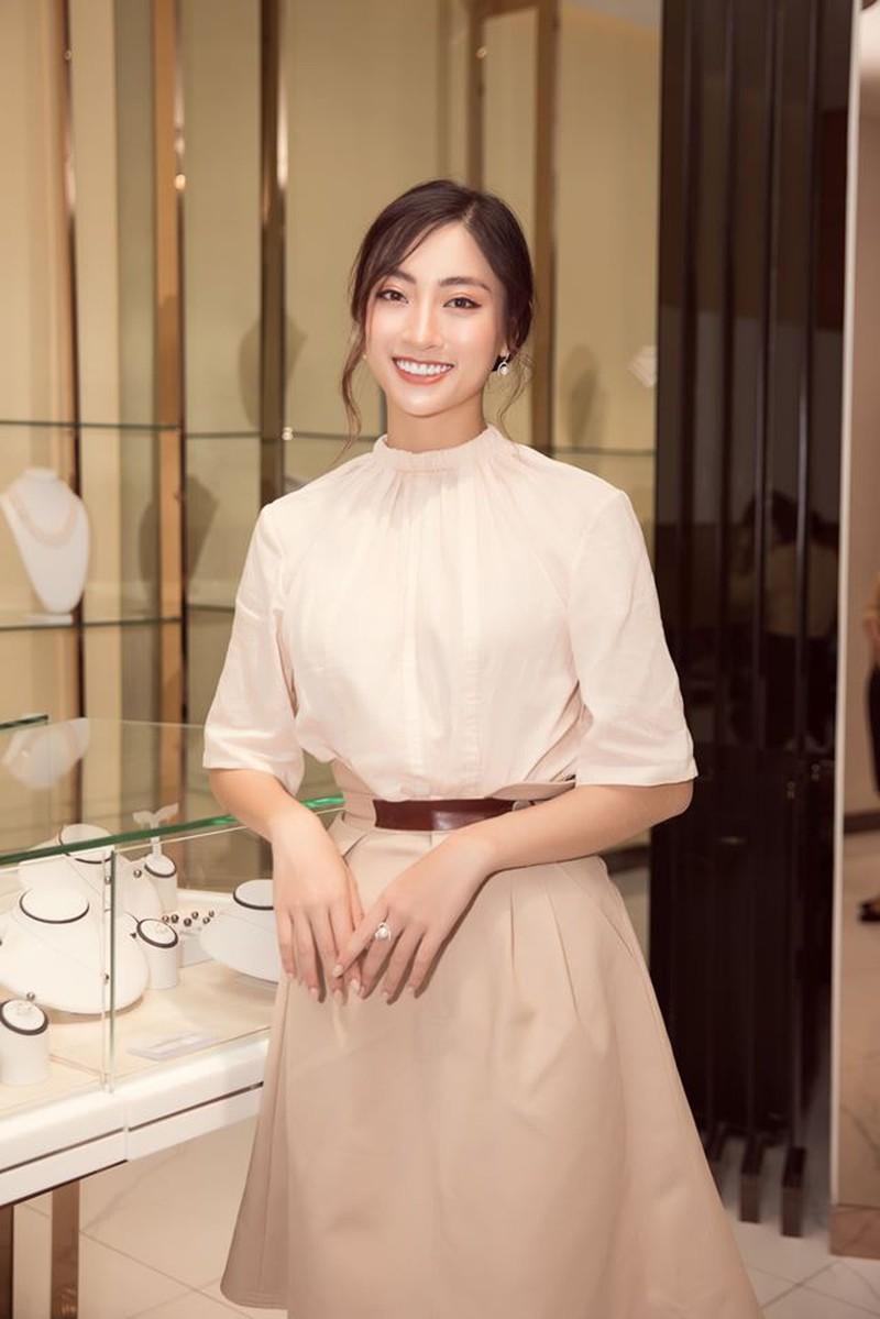 Ngắm Lương Thùy Linh trước giờ G chung kết Hoa hậu Thế giới Ảnh 15