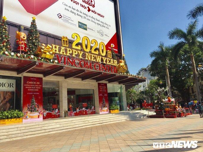 TTTM, siêu thị Hà Nội lung linh sắc màu đón Giáng Sinh 2019 Ảnh 8