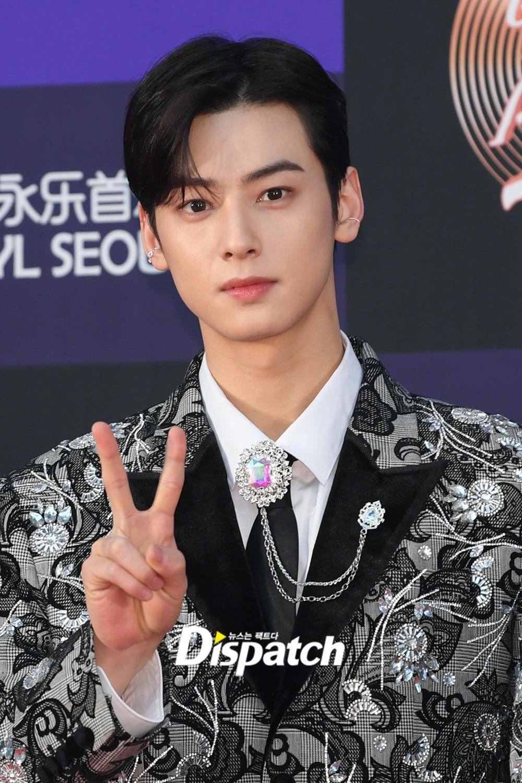 Hai gương mặt đẹp nhất thế giới hội tụ trên thảm đỏ 'Grammy Hàn Quốc' Ảnh 25