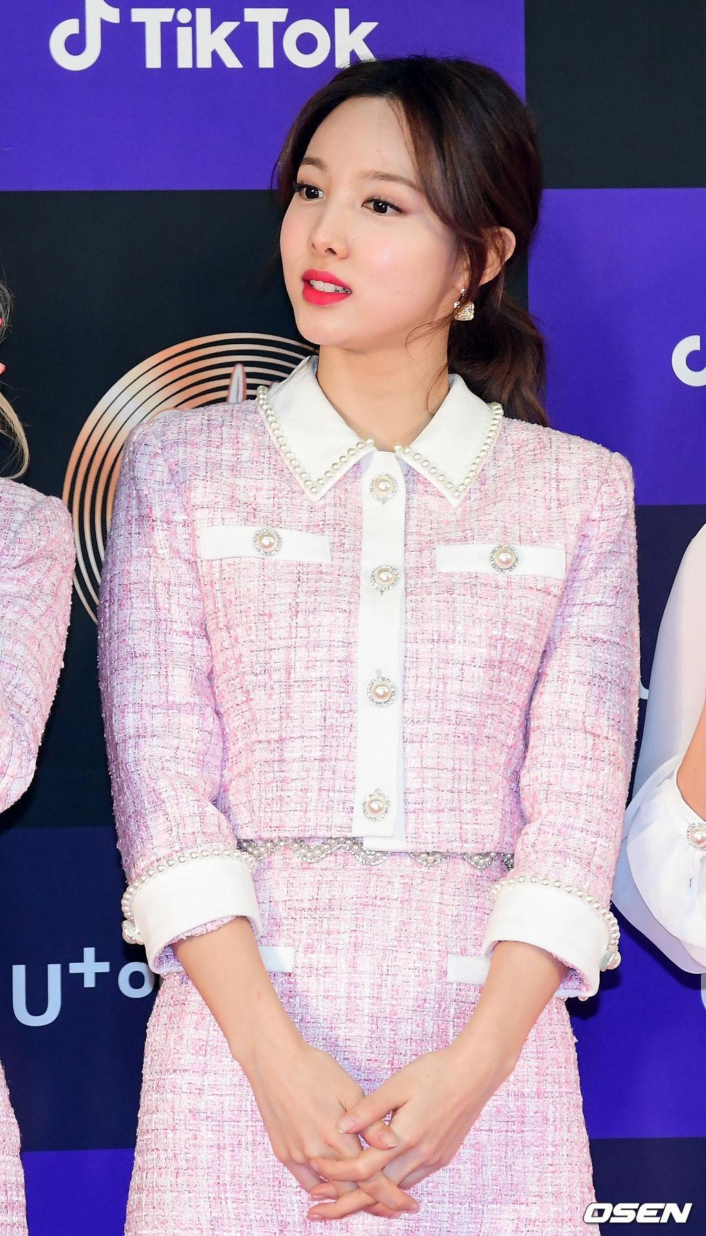 Hai gương mặt đẹp nhất thế giới hội tụ trên thảm đỏ 'Grammy Hàn Quốc' Ảnh 5