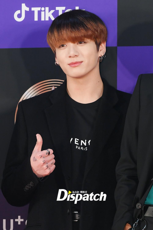 Hai gương mặt đẹp nhất thế giới hội tụ trên thảm đỏ 'Grammy Hàn Quốc' Ảnh 15