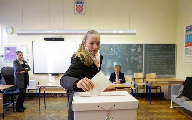 Crô-a-ti-a bầu tổng thống vòng hai Ảnh 1