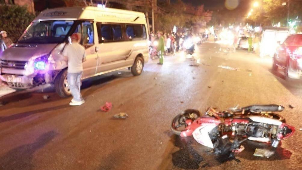 Tai nạn liên hoàn ở Đà Lạt: Hai thanh niên ngã văng, 1 người tử vong Ảnh 1