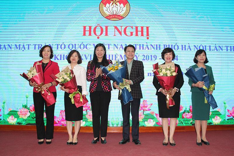 Kiện toàn 5 thành viên Ủy viên Ủy ban MTTQ TP Hà Nội khóa XVII Ảnh 1