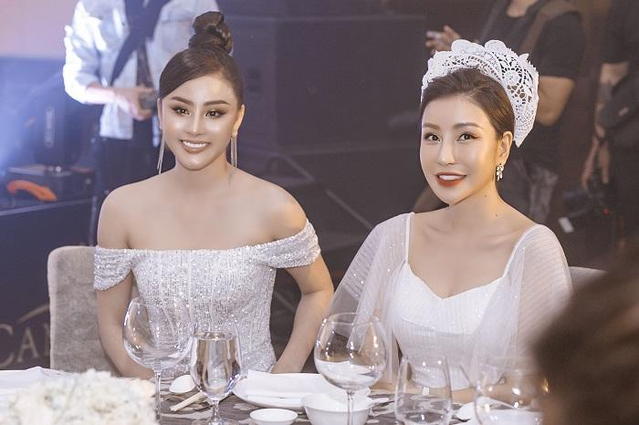 Vợ Tuấn Hưng mới sinh bé thứ 3, vẫn rạng rỡ đứng bên Hoa hậu Tiểu Vy Ảnh 7