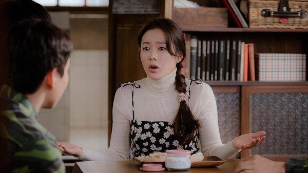 Loạt trang phục đắt xắt ra miếng của Son Ye Jin trong 'Hạ cánh nơi anh' khiến dân tình lóa mắt Ảnh 9