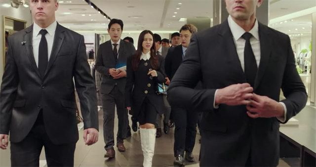 Loạt trang phục đắt xắt ra miếng của Son Ye Jin trong 'Hạ cánh nơi anh' khiến dân tình lóa mắt Ảnh 6