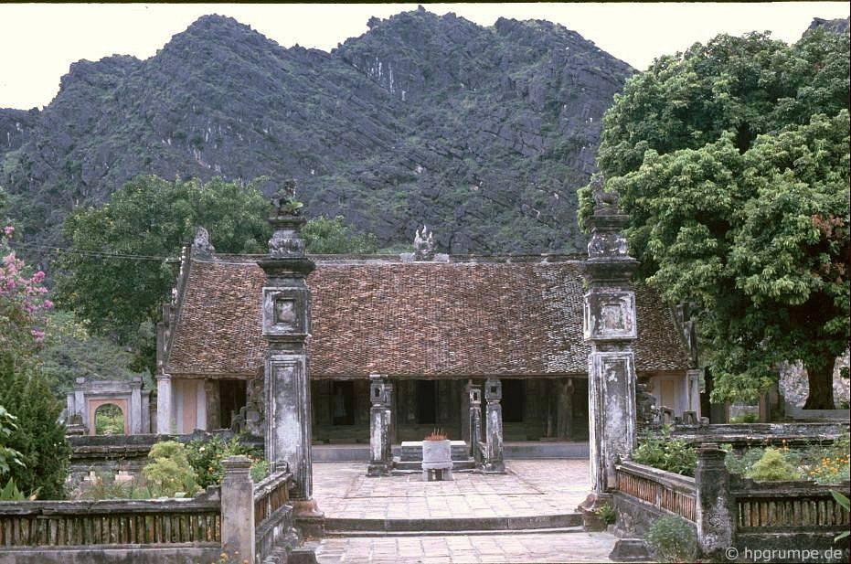 Tam Cốc - Bích Động (Ninh Bình) đẹp giản dị ở những năm 90 Ảnh 6