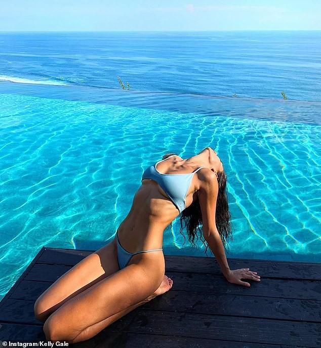 Siêu mẫu cao 1m80 Kelly Gale khoe thể hình tuyệt mỹ với bikini Ảnh 2