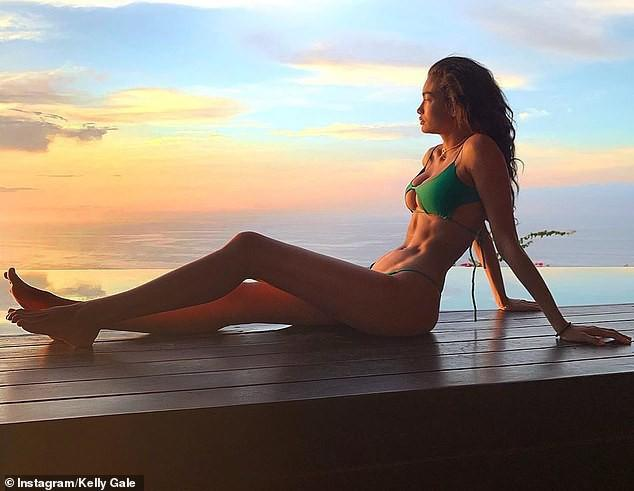 Siêu mẫu cao 1m80 Kelly Gale khoe thể hình tuyệt mỹ với bikini Ảnh 4