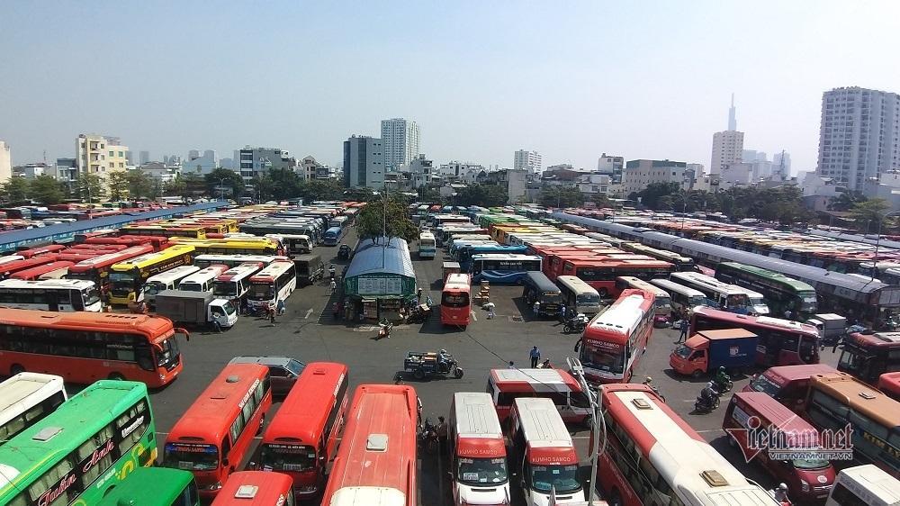 Lãnh đạo bến xe lớn nhất Sài Gòn 'khóc ròng' vì kẹt xe cao tốc dịp Tết Ảnh 1