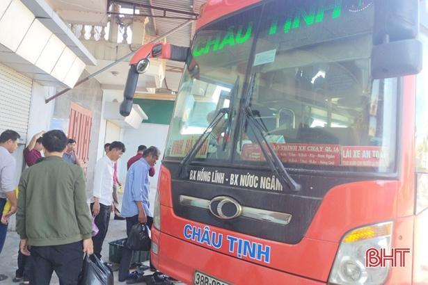 'Chuyến xe không đồng' đưa sinh viên, người lao động nghèo Hà Tĩnh về quê đón tết Ảnh 1