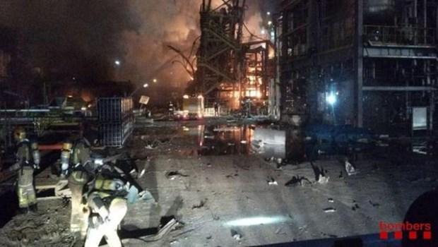 Tây Ban Nha: Cháy nổ nhà máy hóa chất, gây nhiều thương vong Ảnh 1