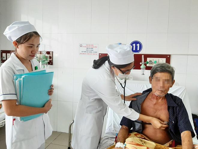 Sóc Trăng: Giáp Tết, cứu sống người bị đâm thủng tim, đột quỵ Ảnh 2
