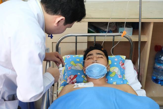Thầy giáo mắc bệnh hiếm ở đảo Hải Tặc được xuất viện Ảnh 2