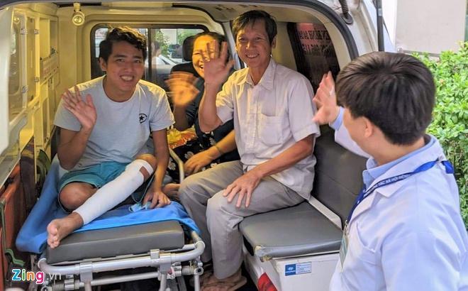 Thầy giáo mắc bệnh hiếm ở đảo Hải Tặc được xuất viện Ảnh 1