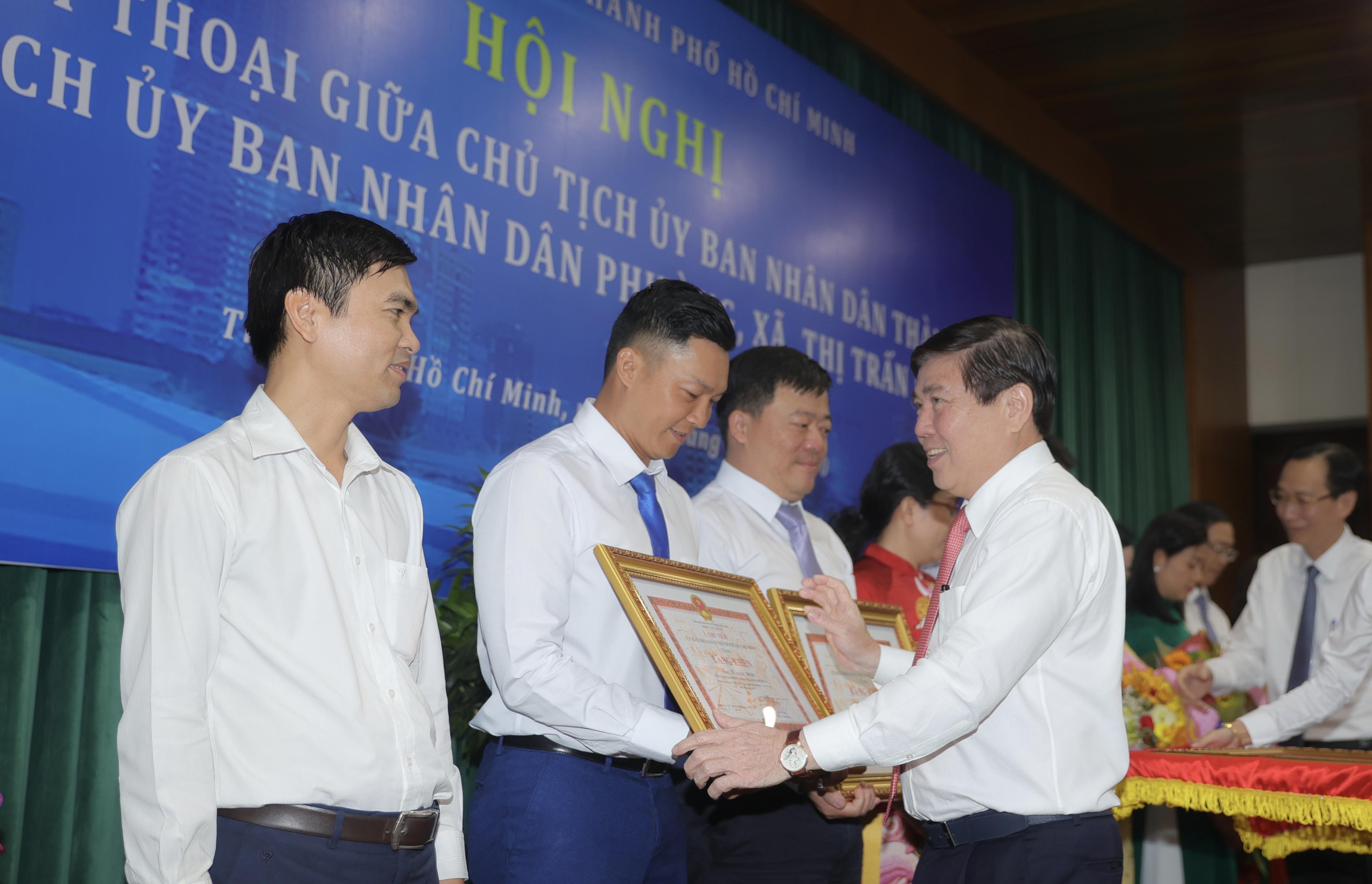 Chủ tịch UBND TPHCM Nguyễn Thành Phong: Năm văn hóa, chú trọng văn hóa tiếp dân, lắng nghe dân Ảnh 3